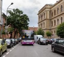 Zece autobuze noi și alte șapte trasee pentru transportul elevilor clujeni