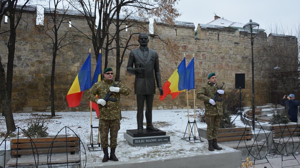 Statuie a lui Iuliu Maniu, dezvelită în Cluj-Napoca