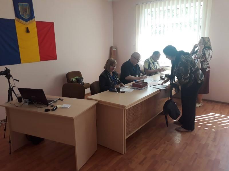 Deplasare cu staţia mobilă a Direcţiei Judeţene de Evidenţă a Persoanelor Cluj la Tureni