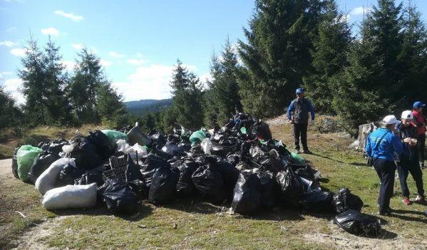 Peste 4.800 de saci de deșeuri au fost strânși în județul Cluj
