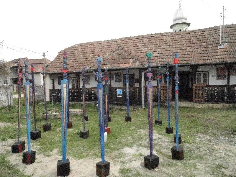 Expoziție de artă plastică în aer liber la Muzeul Municipal Dej