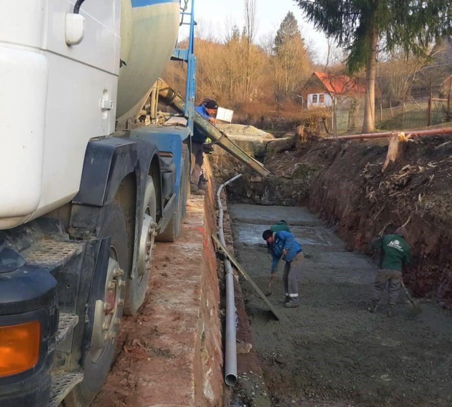 Au demarat lucrările de construire a unui pod nou în satul Văleni (comuna Călățele)