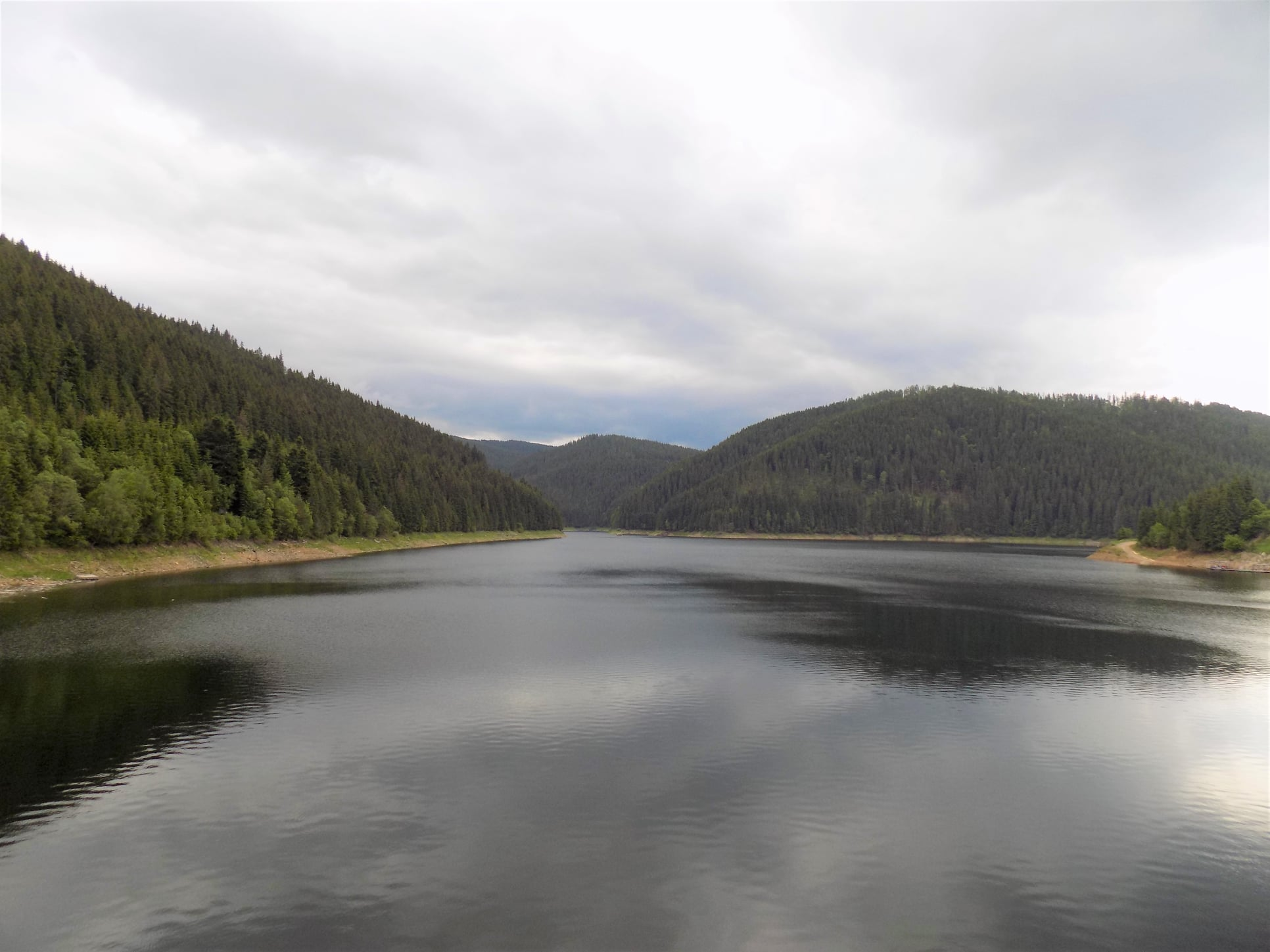 Consiliul Județean Cluj interzice navigarea poluantă pe lacurile Tarnița și Fântânele